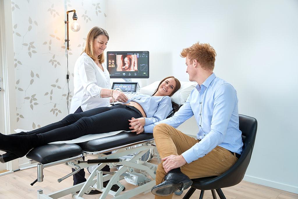 Par til gravid scanning i Odense med Linda